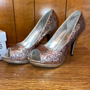 Women's rampage heels pumps sz 6M